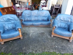 3 1 1 blue leather suite