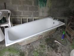 Cast Iron Bath and wash hand basin.