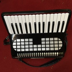 Excellent Condition 48 bass Chanson Accordion