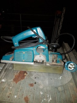 MAKITA POWER PLAINER WITH GUIDE