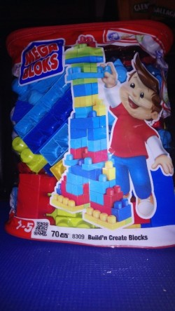 Mega Blocks with 70 Bricks-suitable from 1 year