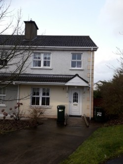 3 bed Semi detached house to let Meadowhill letterkenny