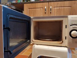 Sharp Microwave- 800W, Perfect working condition