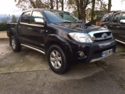TOYOTA HILUX INVINCIBLE 65,000 MILES