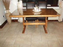 Pine dresser+pine table+4chairs for sale