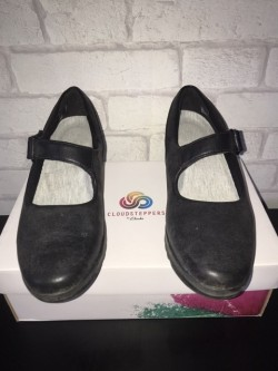 Clark cloudsteppers black shoes
