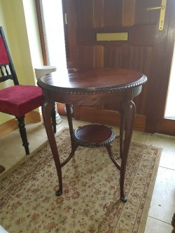 Antique  mahogany round table 2ft x2ft