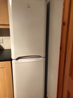 Frost Free Indesit white 50/50 fridge freezer