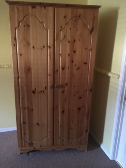 Pine bedroom furniture 2 wardrobes and chest of drawers