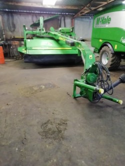 John Deere mower 530 with grouper