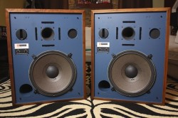 JBL 4333A Studio Monitors-----1900Euro