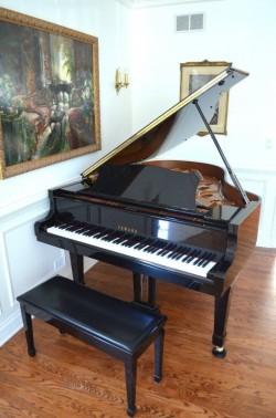 Yamaha C3/C6/C7 Piano/ Yamaha Tyros 5 keyboard