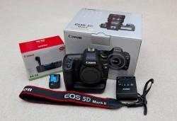 Canon EOS 5D Mark III/Nikon Df 16.2 MP Digital SLR Camera