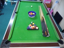 7x4 Elite pool table in good condition all round
