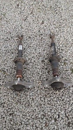 seat exeo front shocks with top strut mount and bump stop