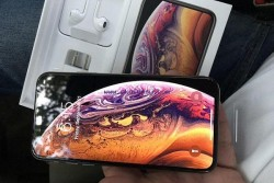 For Sale : Apple iPhone Xs Max / Samsung S9
