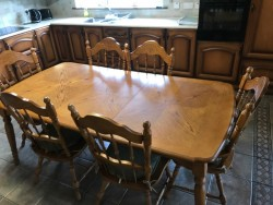 Oak Kitchen Table with 6 chairs