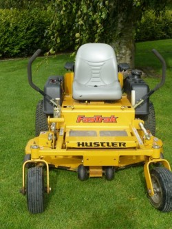 HUSTLER RIDE ON 48 INCH LAWNMOWER