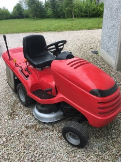 Honda Ride On Lawnmower (36 inch deck)