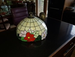 Large tiffany light fitting
