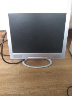 """16"""" computer monitor"""