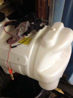 Sprayer tank for quad