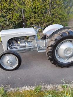 12 volt Tvo fergson Tractor