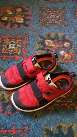 Childrens Clarks Runners Size 9.5