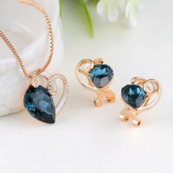 Buy Rose Gold Pendant and Stud Earrings set at Eva Victoria