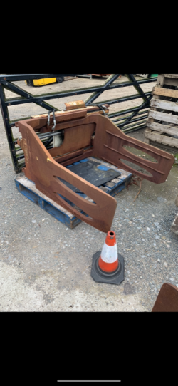 CASCADE FORKLIFT CLAMP FOR SALE