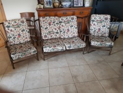 cottage type suite 2 seater x 2chairs