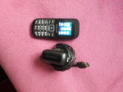 Brand new Samsung phone with charger