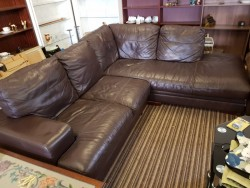 Large chocolate brown  leather  corner  couch