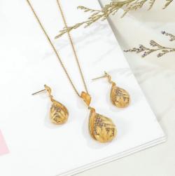 Buy Pendant and Stud Earrings set online in Ireland - Eva Victoria