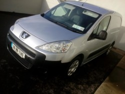 09 Peugeot partner with test and taxed clean van