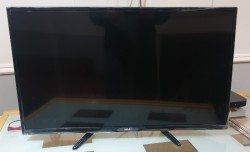 "AKAI 32"" LED TV"