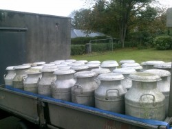 milk buckets/creamery cans/milk churn