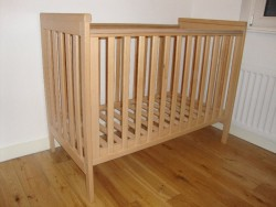 Baby cot, cot, bed, baby, mamas and papas, metro cot for sale