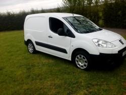 Peugeot partner 12, 3seats , side door, full years test , new tyres for sale