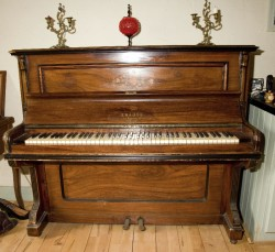 Piano for sale for sale