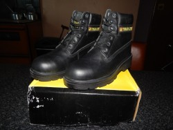brand new size 6 safety boots