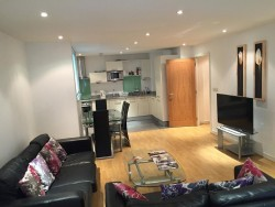 Luxurious large 2 double bedroom apartment
