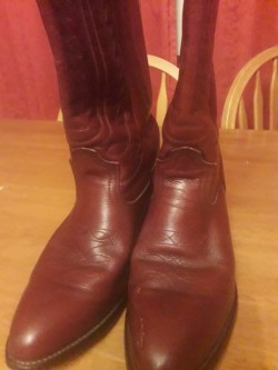 Cowgirl western boots.