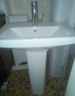 Bathroom Basin with full pedestal tap included