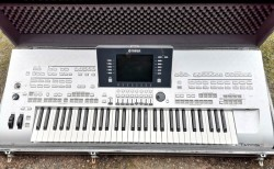 Yamaha Tyros 3 and PA