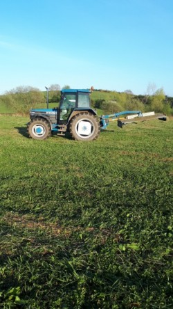Farm Worker/Tractor Operator available