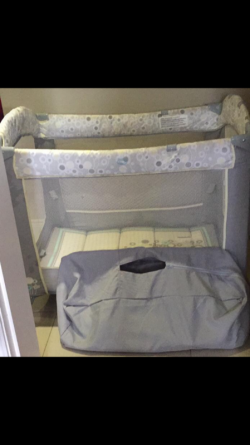 Playpen/changing table