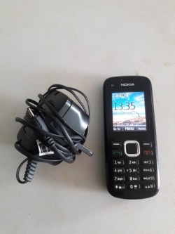 Nokia c1 phone with charger unlocked