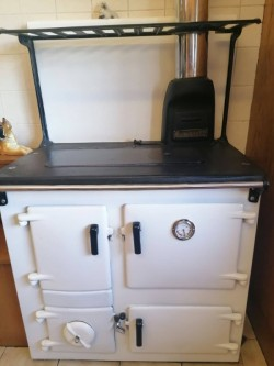 Rayburn oil fired cooker