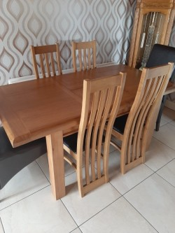 Table and (6) Chairs.